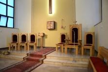Prezbiterium - nowe meble